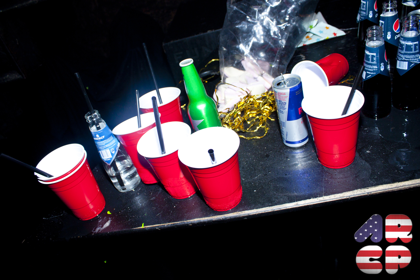 126 Cup Goes American Red Tropical Party